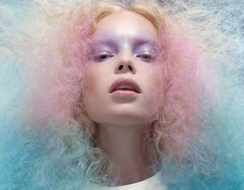 Finies les colorations ratées : place au démaquillant pour cheveux