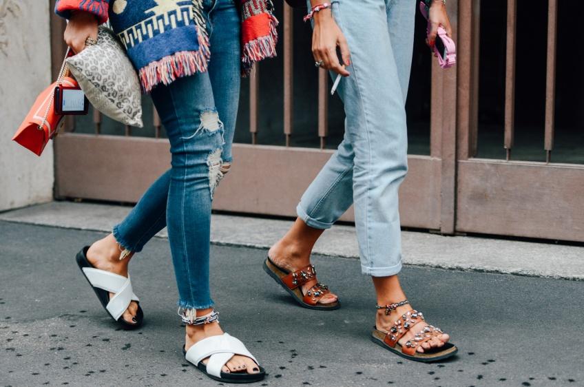 Mardi #Shoesday : Osons claquer en sandales plates cet été