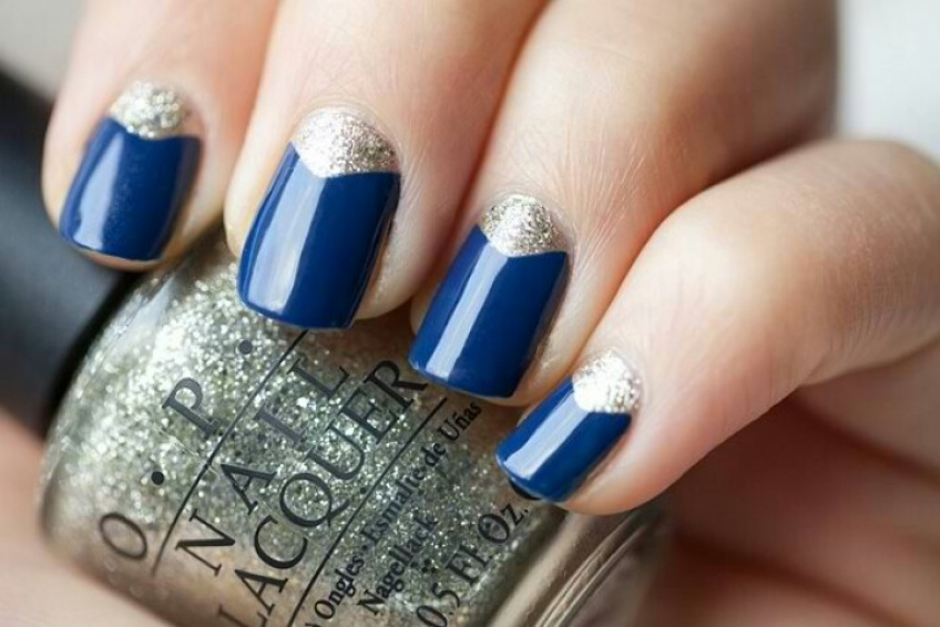 Nail trend : bleu et argent, la combinaison gagnante !
