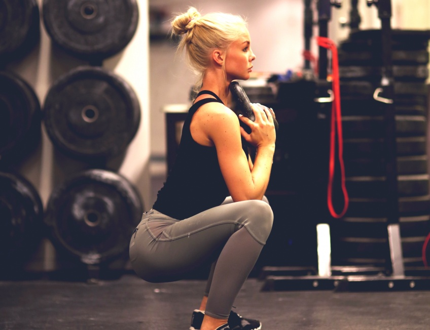 5 exercices de squats pour des muscles en béton