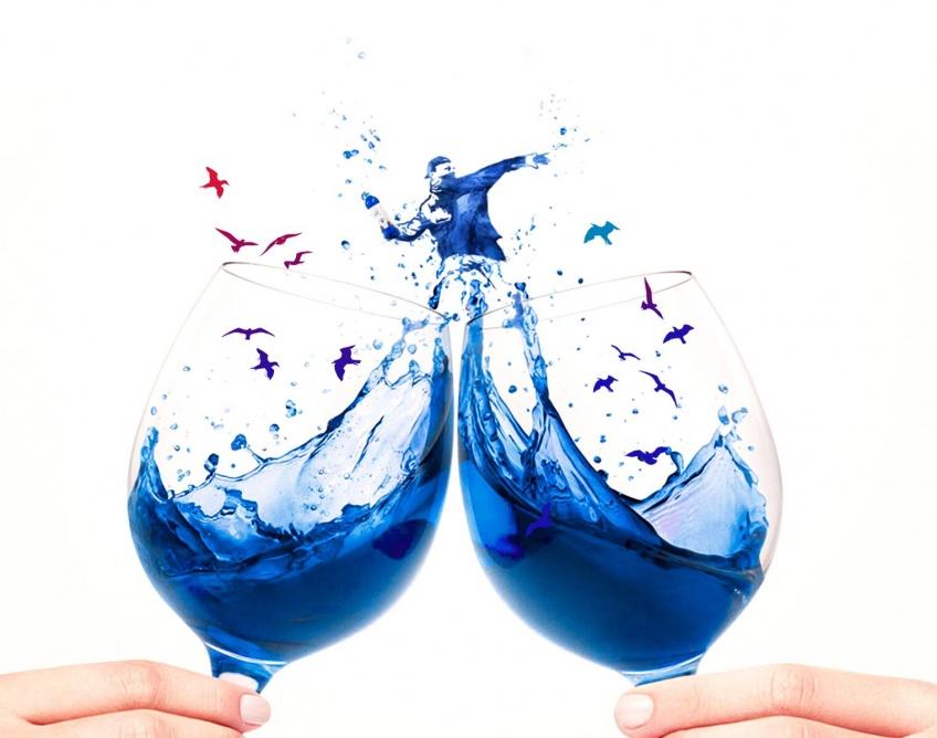 Le Vin Bleu : la drink tendance la plus surprenante de l'été
