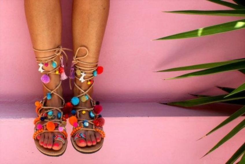 Mardi #Shoesday : La sandale à pompons, la star de l'été !