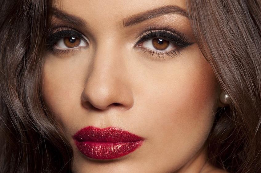 15 idées totalement canons de maquillage pour yeux marrons