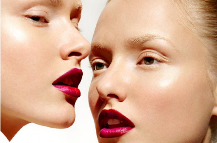 15 choses que font toutes les accros au makeup