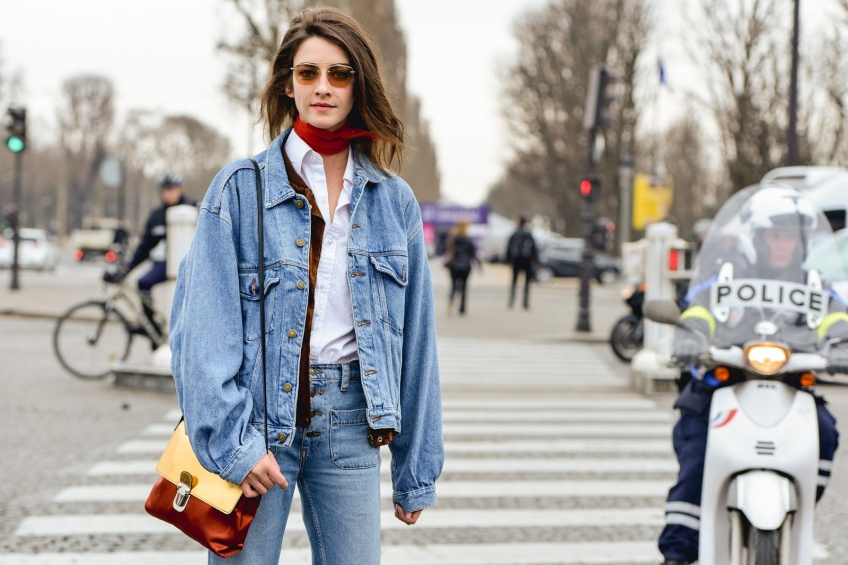 20 vestes en jean pour être en beauté à la mi-saison