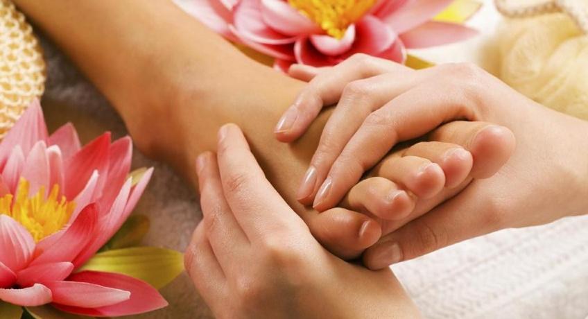 Massage des pieds : les bienfaits qui vous donneront envie de l'accepter