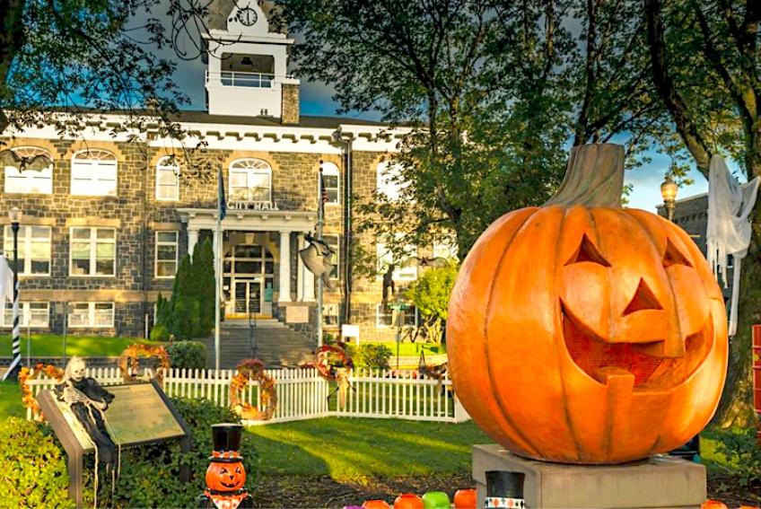 L'Halloweentown du célèbre film Disney de notre enfance existe vraiment !