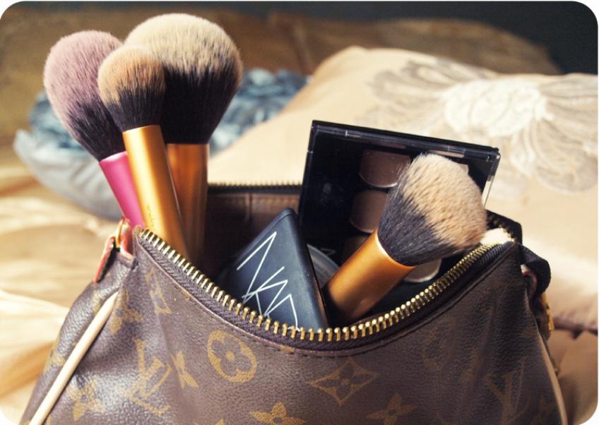 Sélection de 20 trousses de maquillage chics et stylées