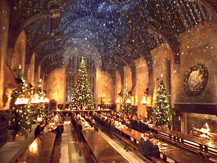 Que diriez-vous d'aller fêter Noël à Poudlard ?