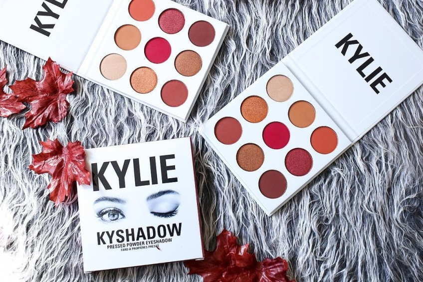 Kylie Jenner sort une toute nouvelle palette Kyshadow Burgundy !
