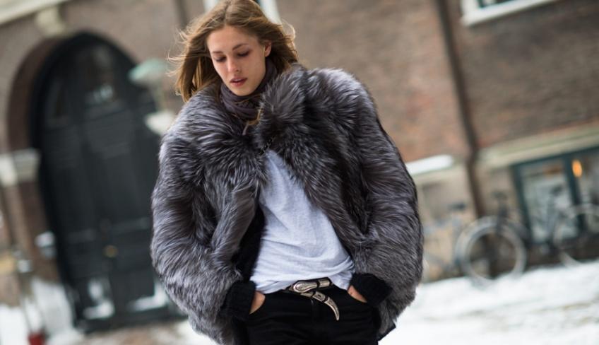 Un hiver douillet avec son manteau en fausse fourrure !