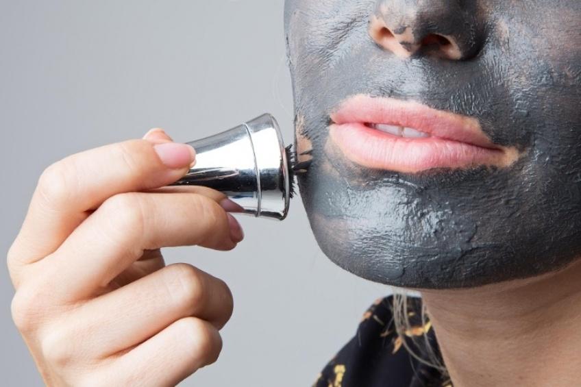Beauté 2.0 : le masque magnétique pour une peau électrique