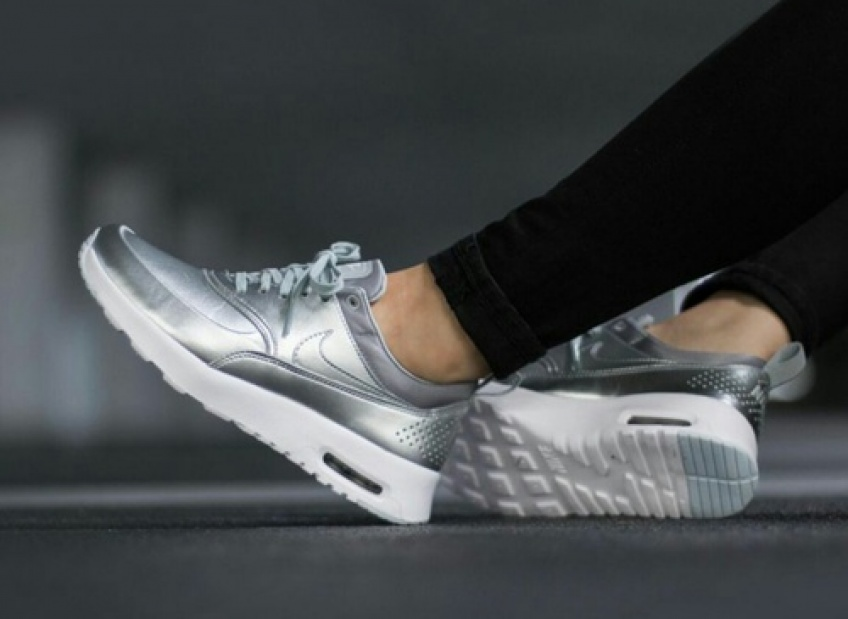 #SneakersWeek : Des baskets metallic à nos pieds