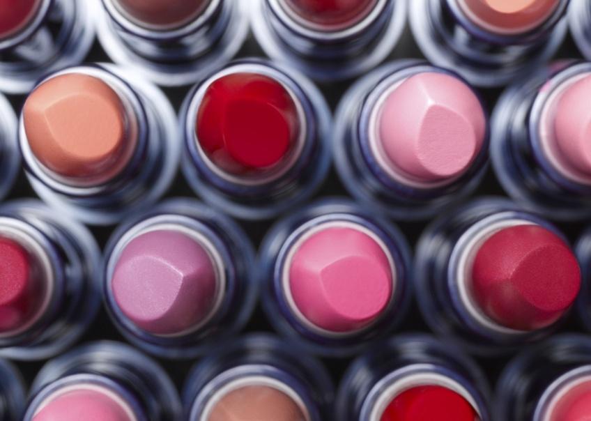 L'astuce infaillible pour avoir un nouveau rouge à lèvres MAC... gratuitement !