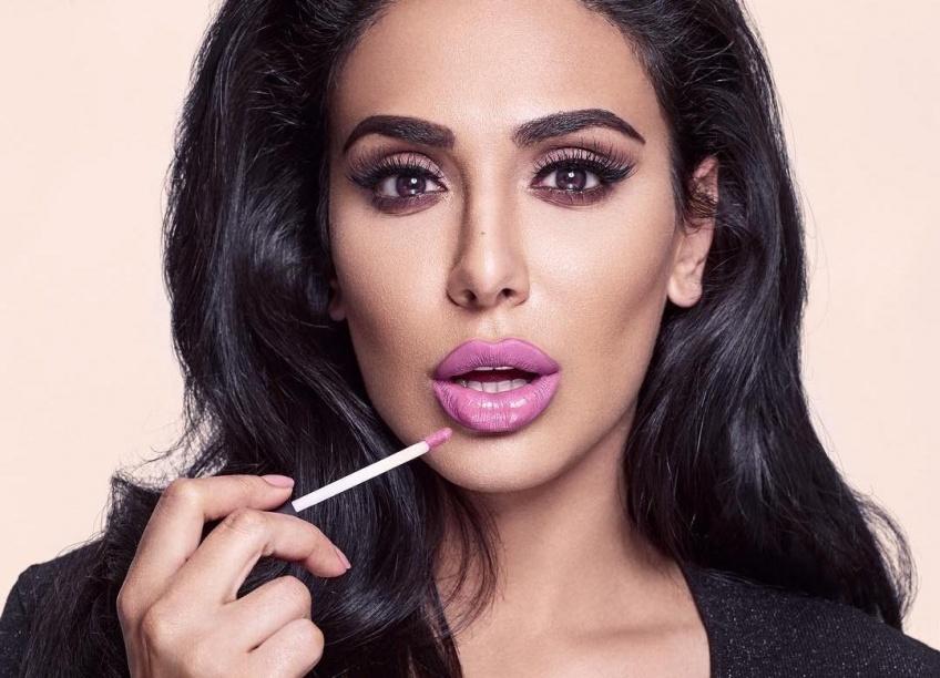 Huda Beauty dévoile un coffret de rouges à lèvres sur Instagram