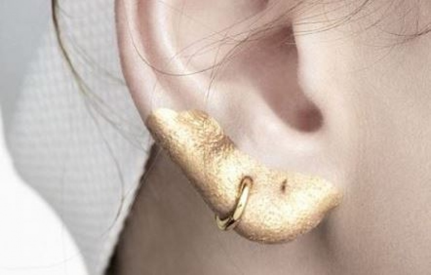 Le maquillage d'oreilles : la nouvelle tendance WTF venue des défilés !