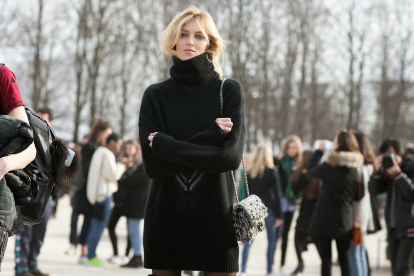 25 robes pull pour un look confort et glamour cet hiver