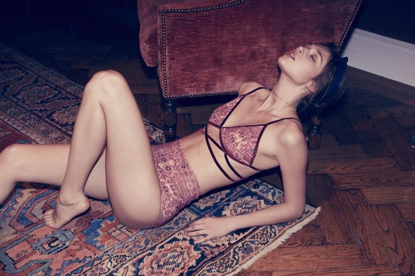 20 ensembles de lingerie colorés pour booster votre sex appeal