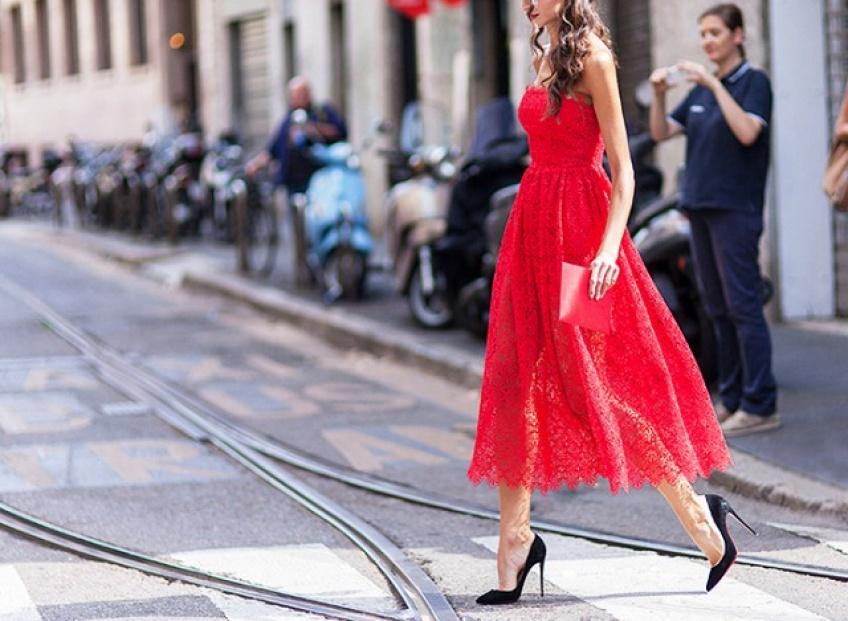 25 sublimes robes rouges pour être à la pointe du glamour