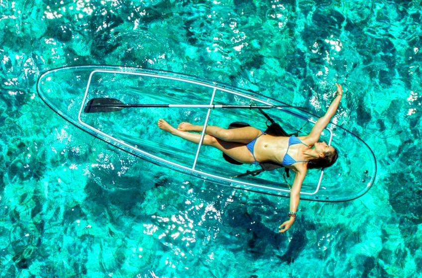 Découvrez le fond de l'océan avec les kayaks transparents !