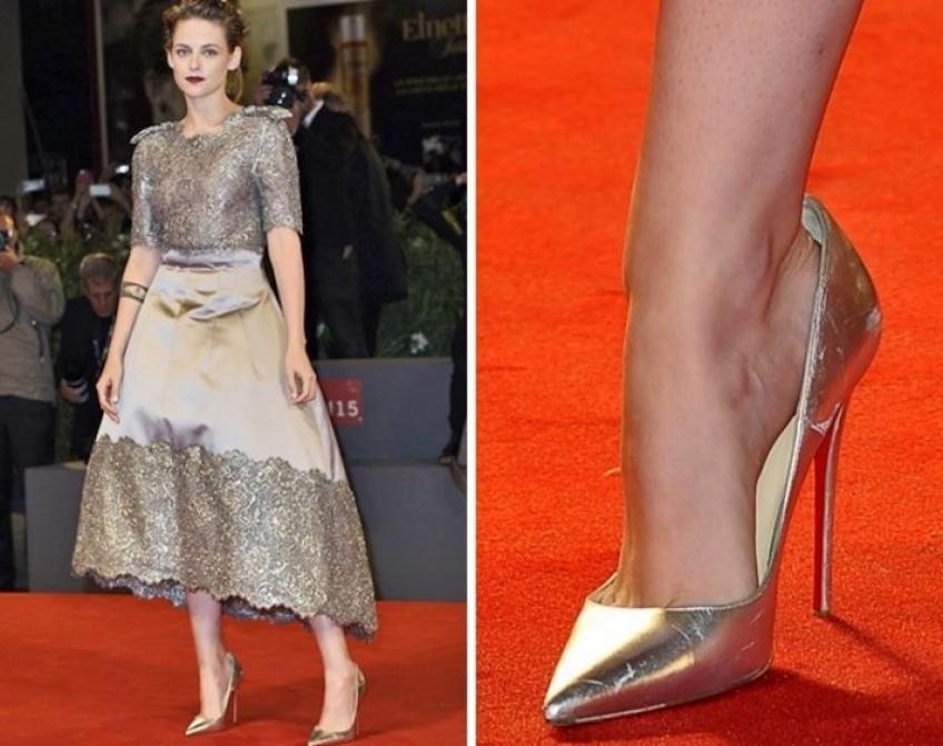 On sait enfin pourquoi les stars portent des chaussures trop grandes sur le red carpet !