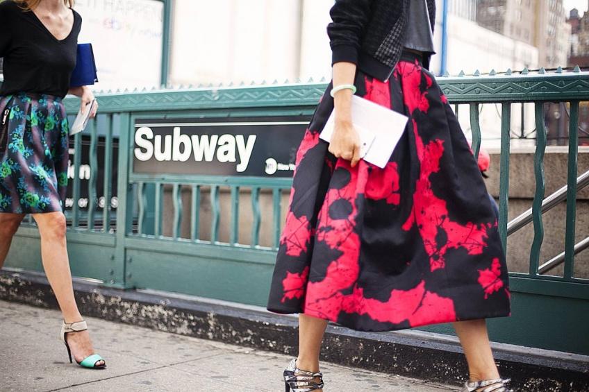 25 jupes midi originales à porter dès maintenant et jusqu'au printemps