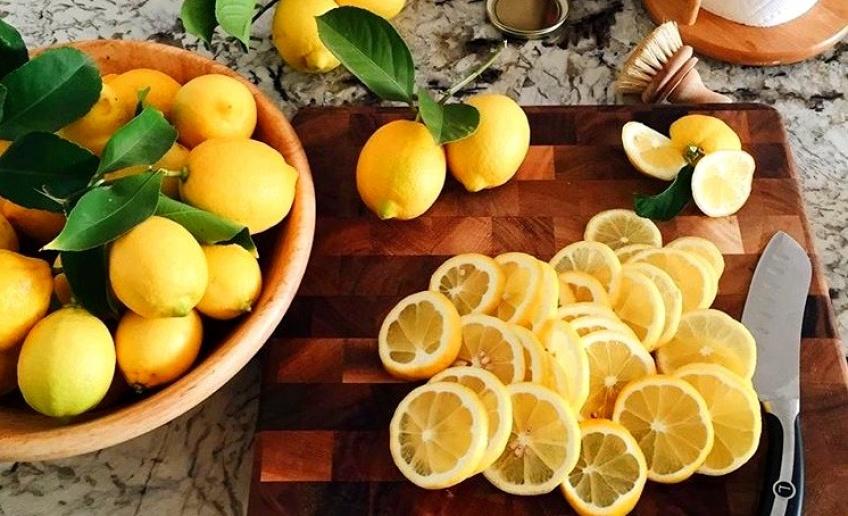 Les résultats de boire de l'eau citronnée pendant deux semaines !
