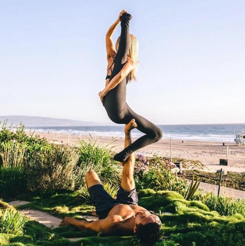 Parenthèse sportive #43 : l' Acro yoga, la discipline la plus arty du moment