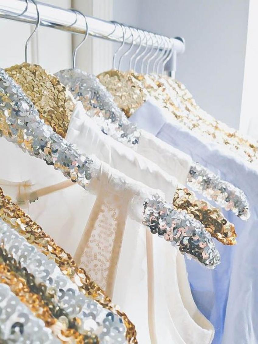 #DIY : Des cintres à paillettes pour un dressing de princesse