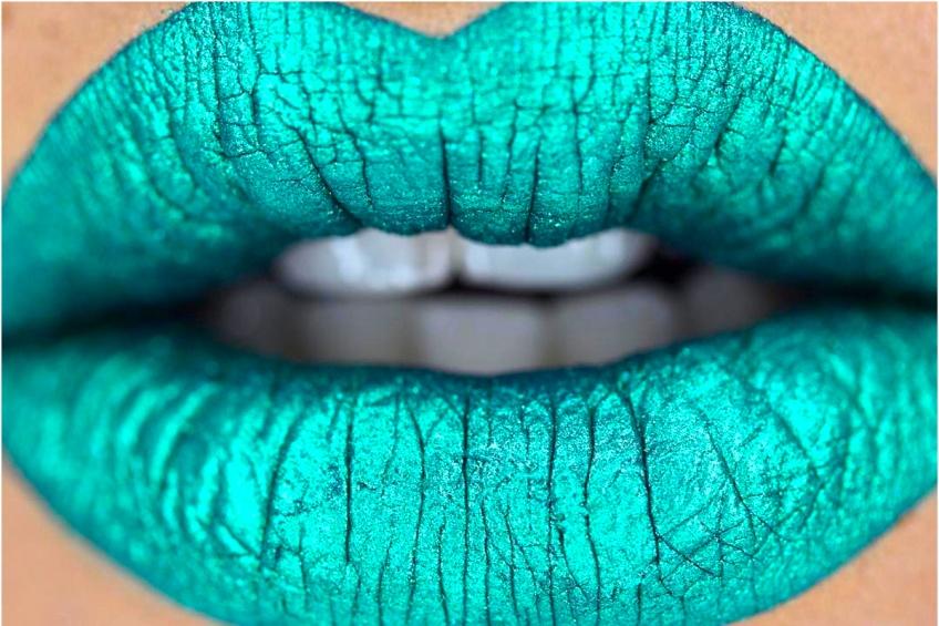 TREND : Cette saison, on se la joue GREEN avec le rouge à lèvres vert