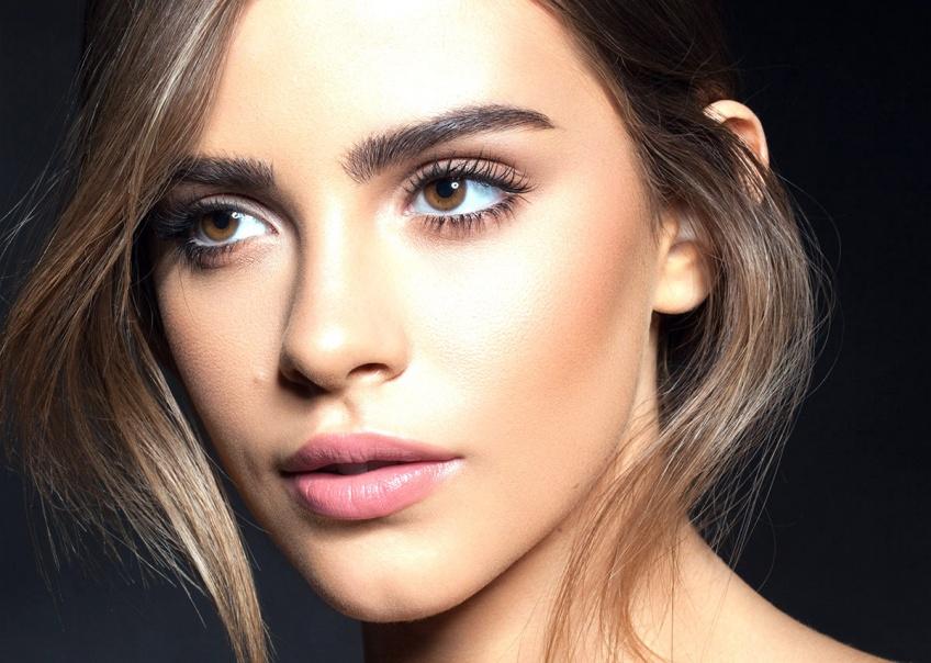 Beauté 2.0 : Des sourcils parfaits en 3 secondes avec le tampon à sourcils