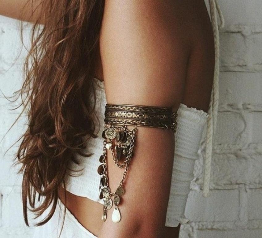 20 bracelets de bras qui vont parfaire vos looks de l'été