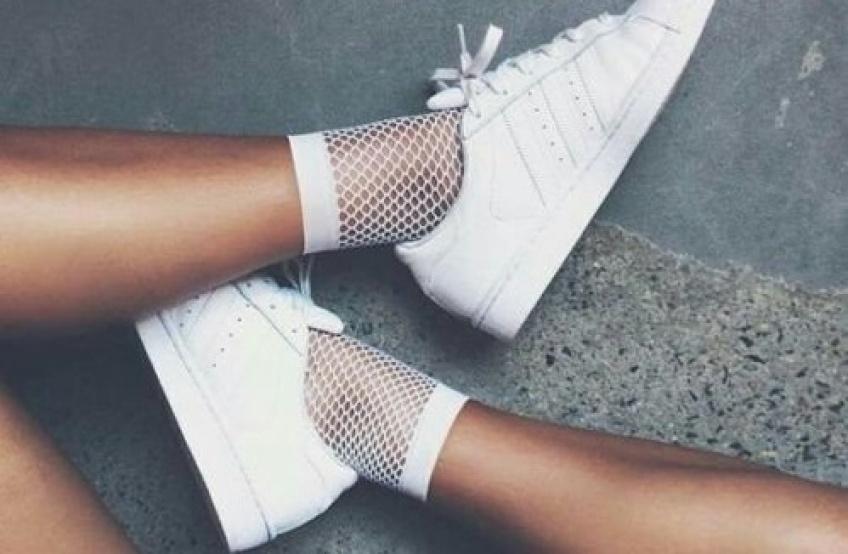 Offrez à vos baskets blanches favorites la (re)mise en beauté qu'elles méritent !