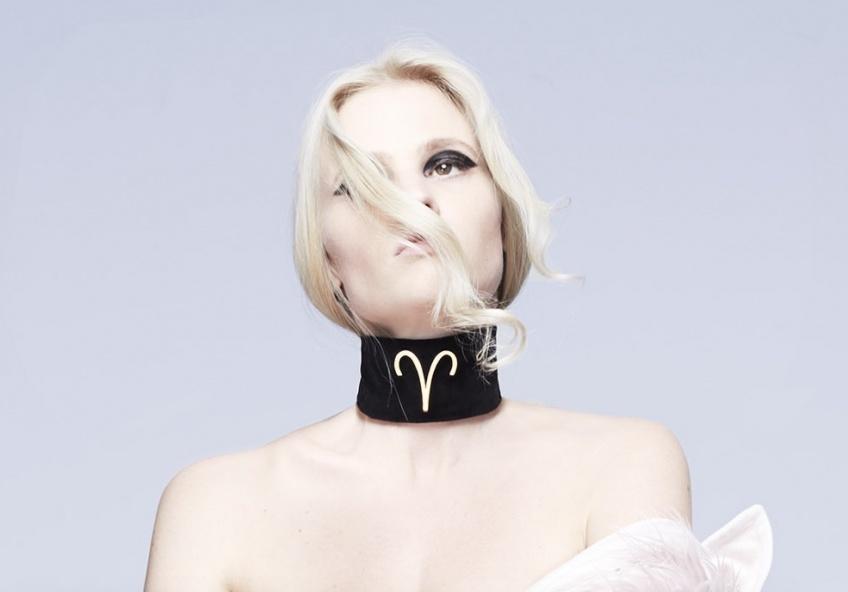Cette femme a créé 12 maquillages pour les signes astrologiques