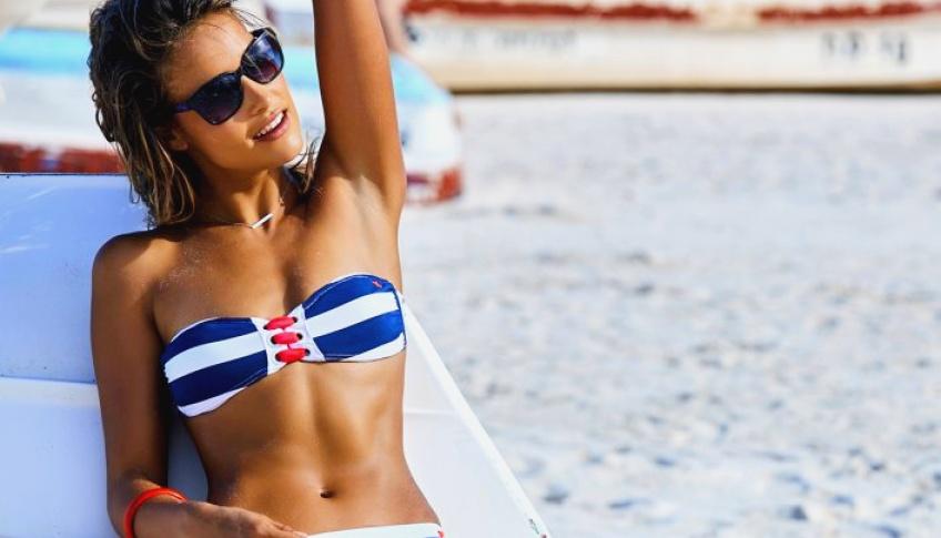 30 maillots bandeau qu'on adore : bye bye les traces de bronzage !