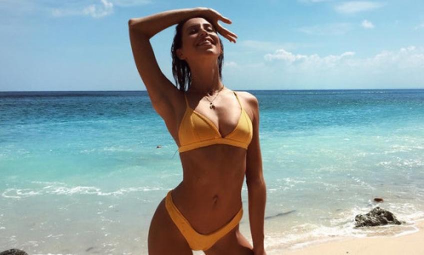 Les 10 produits de beauté à absolument avoir sur la plage