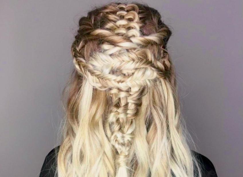 L'infinity braid : La nouvelle coiffure tendance de l'été