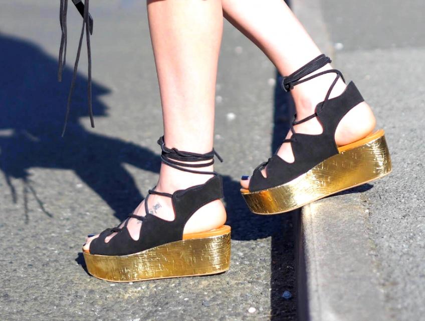 30 paires de sandales à plateforme qui vont vous emmener au 7ème ciel !