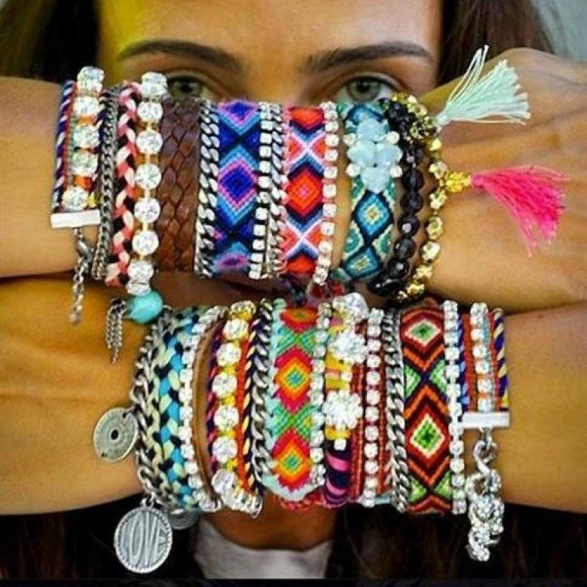 30 bracelets brésiliens parfaits pour flatter votre bronzage