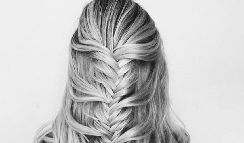 Half Braid : La toute nouvelle façon hyper canon de se coiffer cette saison