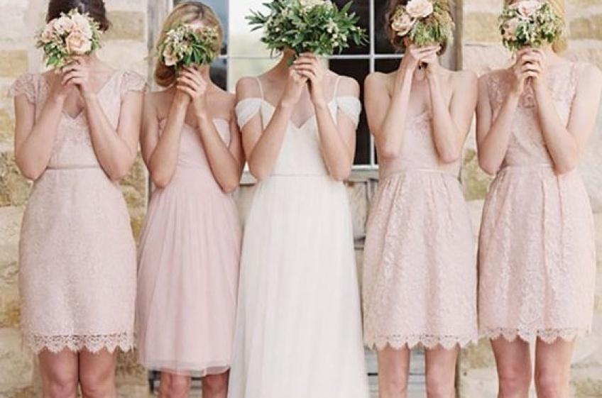 30 sublimes robes de demoiselle d'honneur à shopper rapidement