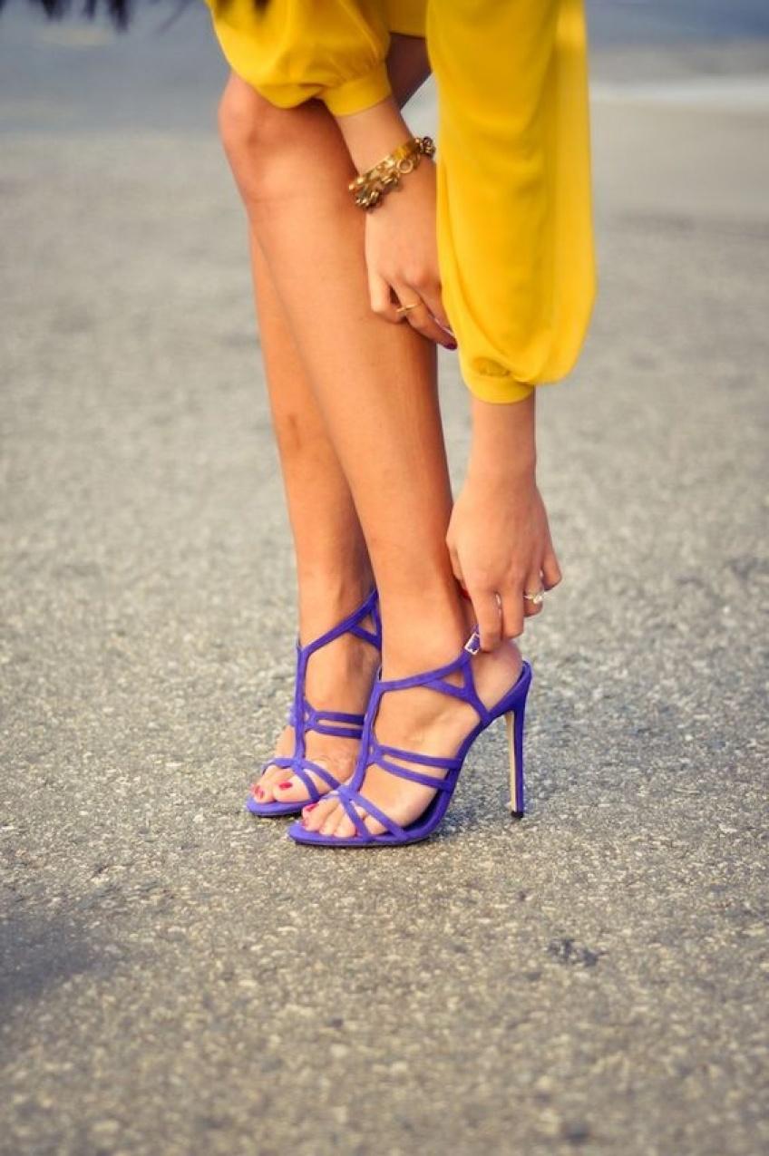 30 sublimes paires de talons colorés pour booster votre tenue
