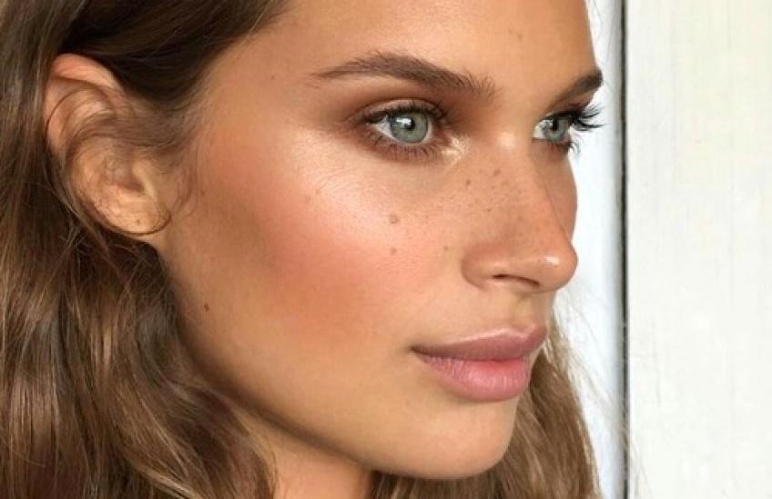 Quelle est la forme de sourcils parfaite pour votre visage ?
