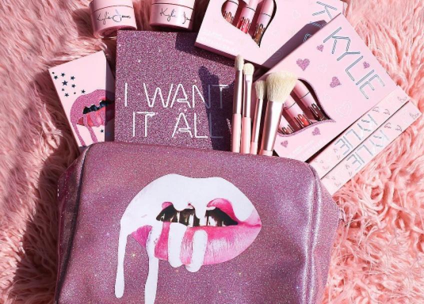 ALERTE : Kylie Jenner dévoile sa nouvelle collection de make-up pour son anniversaire