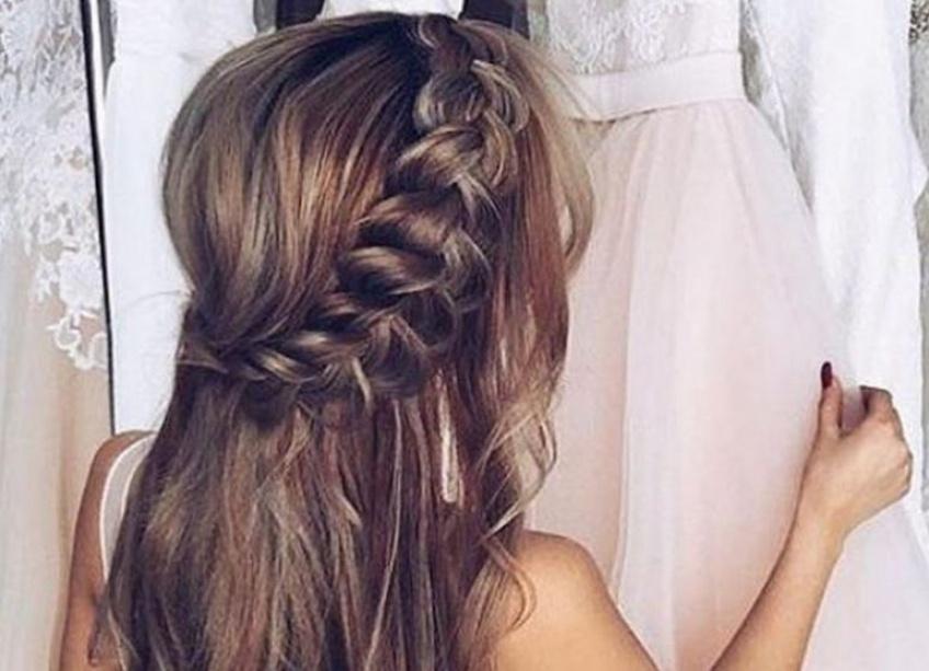 15 tutos coiffures parfaits pour assister à un mariage