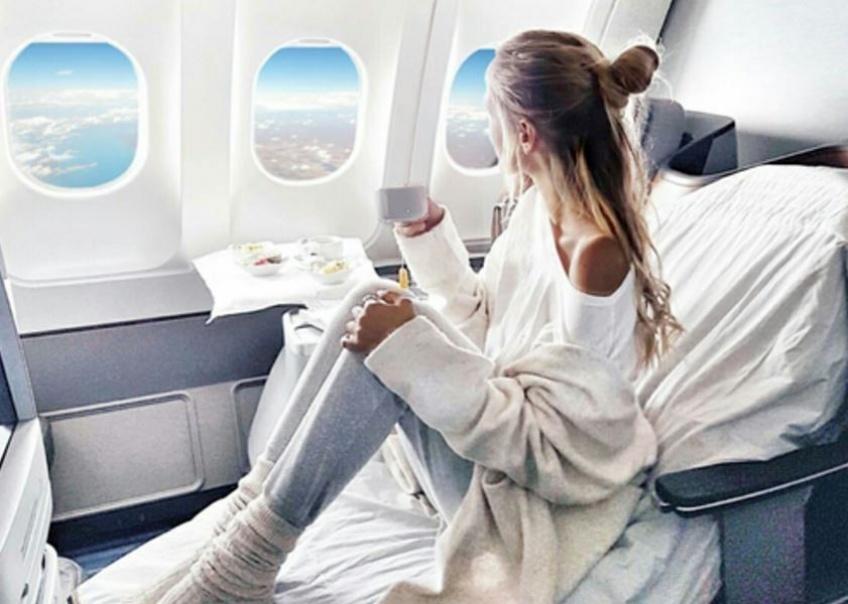 FOCUS : Débronze-t-on vraiment quand on est dans l'avion ?