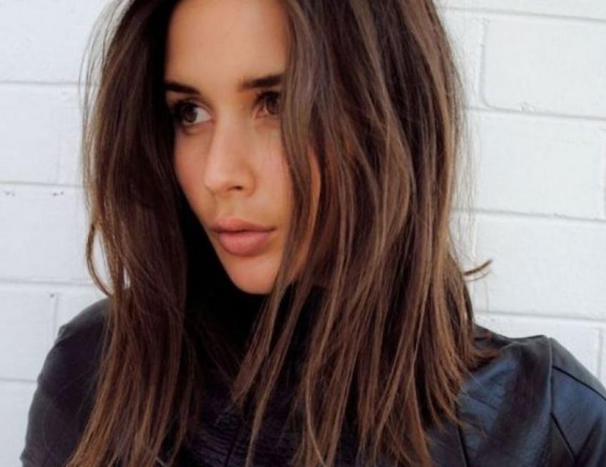 Cheveux mi-longs : 20 idées coiffures pour changer de tête