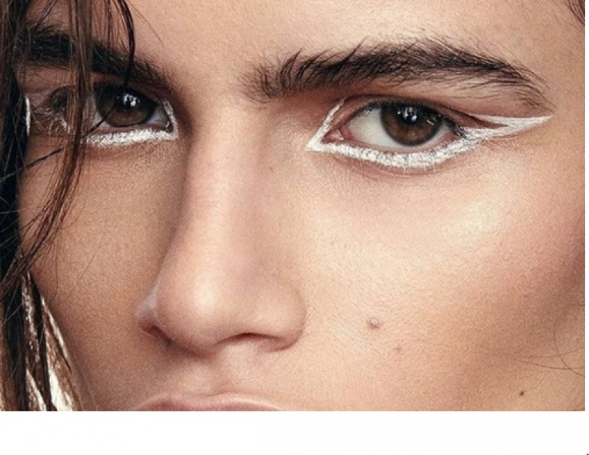 Make-up : Découvrez la toute nouvelle façon de porter l'eye-liner !