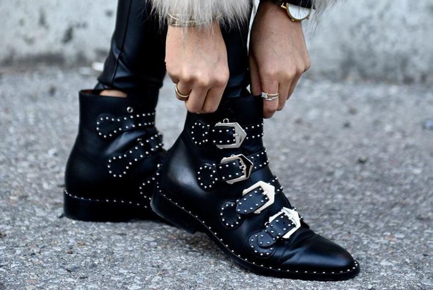 35 paires de chaussures noires qui se marieront avec tout votre dressing !