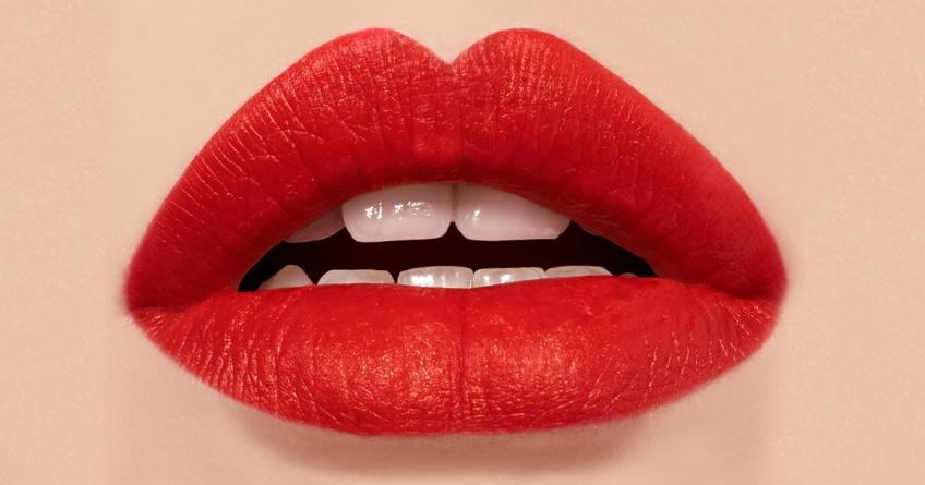 Entrez dans le gang avec la nouvelle Encre à lèvres mate Yves Saint Laurent Beauté